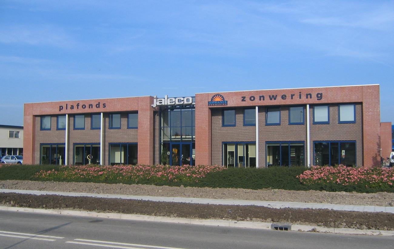 Het gebouw van Jaleco Totaal Projectafbouw in 2002