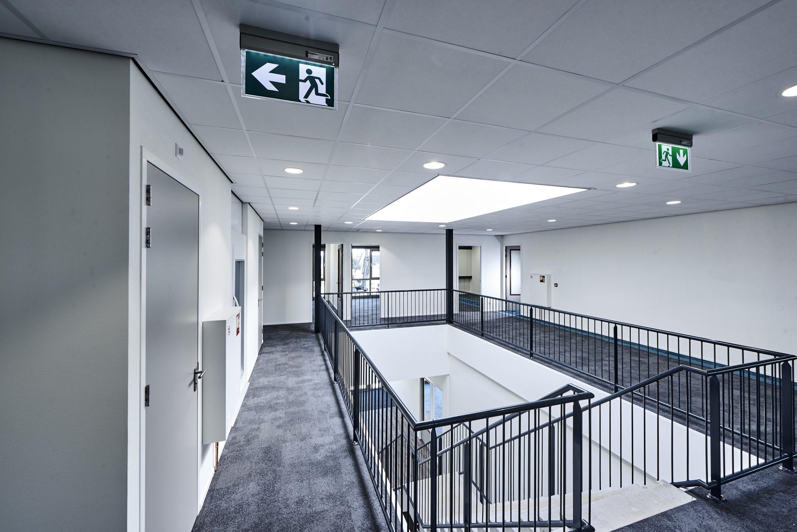 plafonds in een ambulancepost
